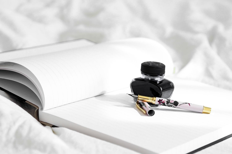 「インキ」と「インク」の謎。印刷用語はインキ、筆記用具はインク?