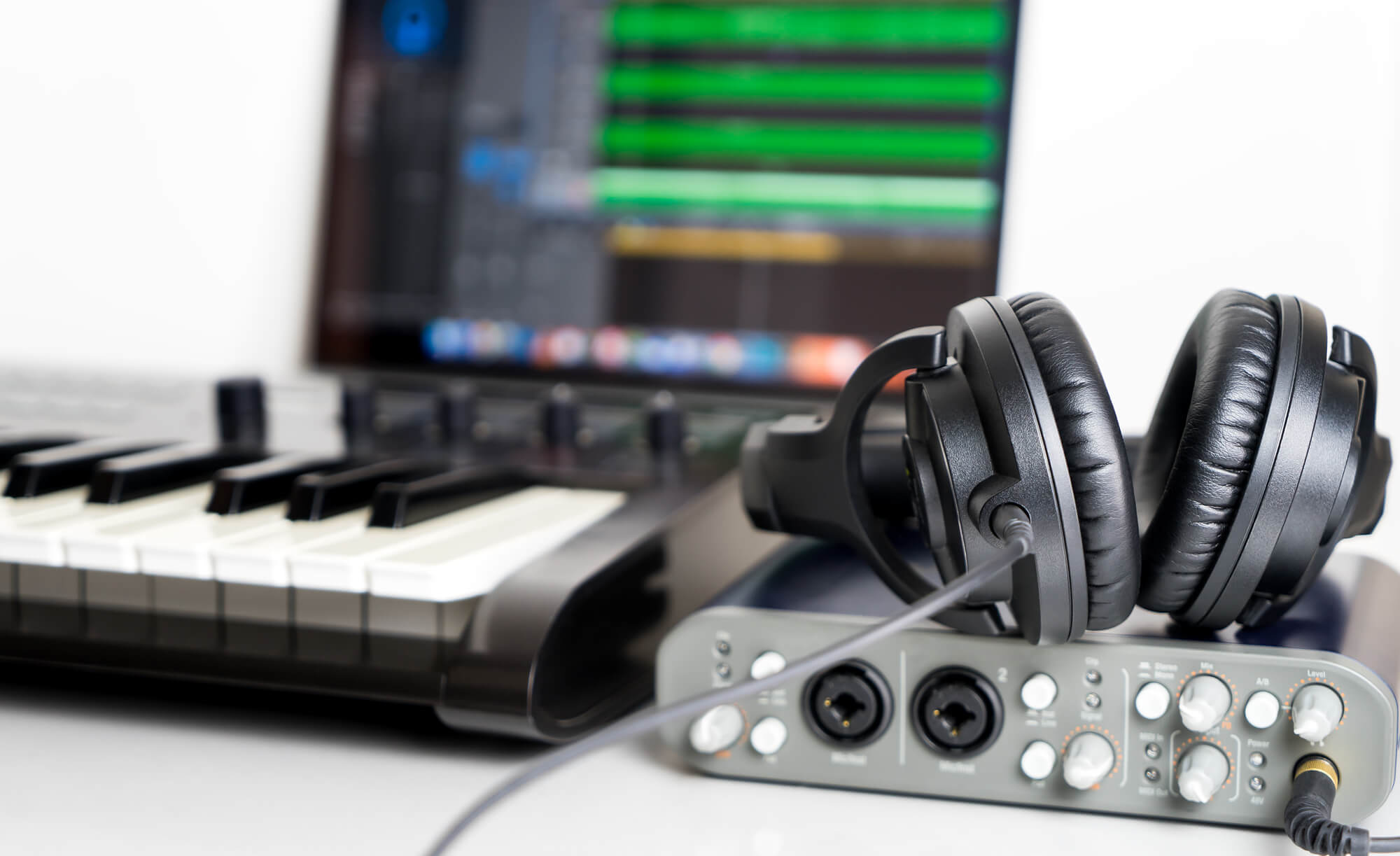 WEBコンテンツ制作に追い風!? PIXTAの音楽素材販売開始の背景にある市場とは