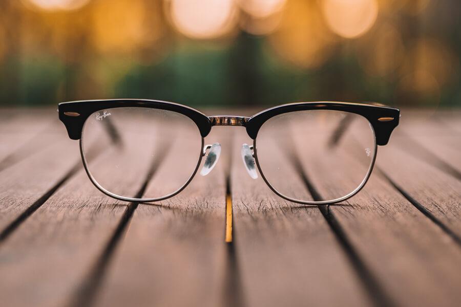 眼鏡の上手な撮り方を、プロカメラマンが少しだけ紹介!商品撮影のポイントも!