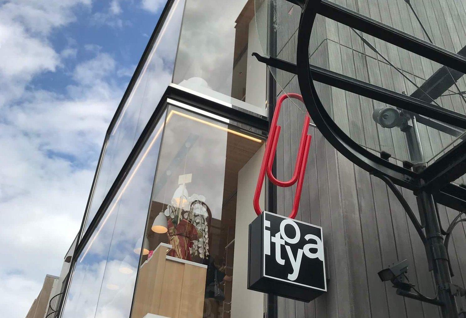 銀座に出かけたら必ず寄る伊東屋の横浜元町店が9月19日にオープンしました。